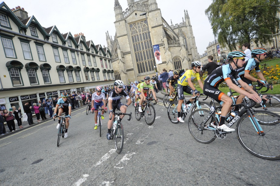 The peloton in Bath (SweetSpot)