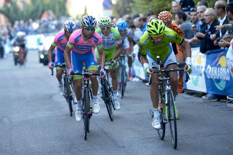 Fighting at the 2013 Giro dell'Emilia