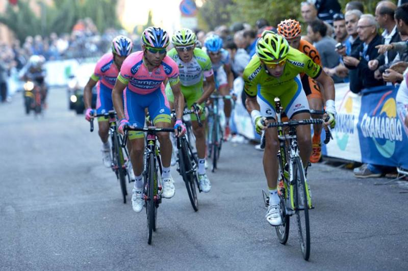 Fighting at the 2013 Giro dell'Emilia