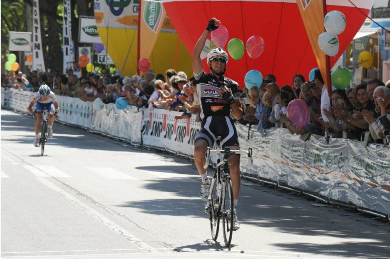 Winning stage three at the 2012 GP Pesca e Nettarina