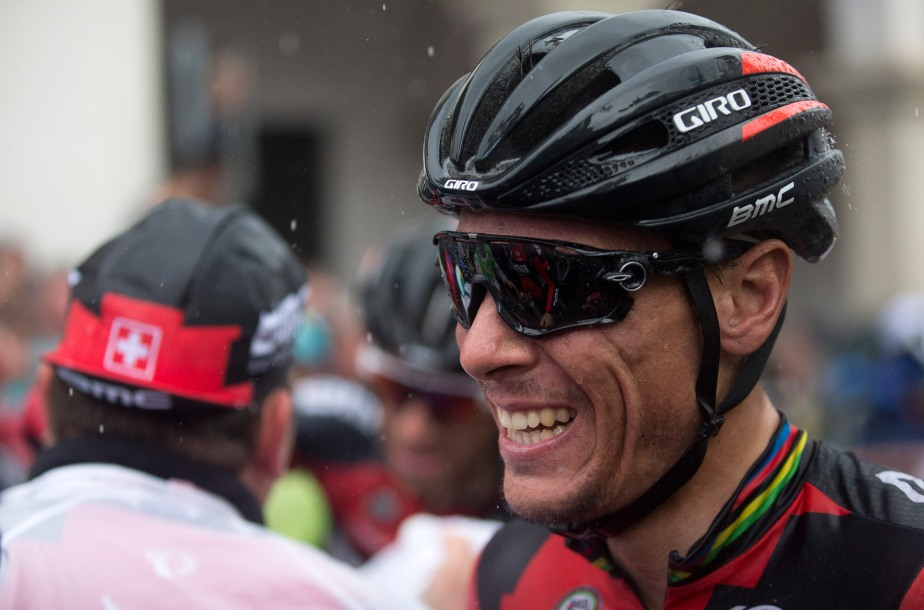 While Philippe Gilbert's smile tells a different story (Claudio Peri)