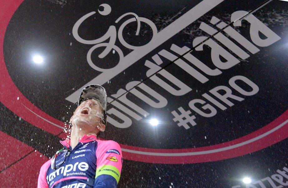Sacha Modolo celebrates victory on stage 13 (ANSA/Luca Zennaro)