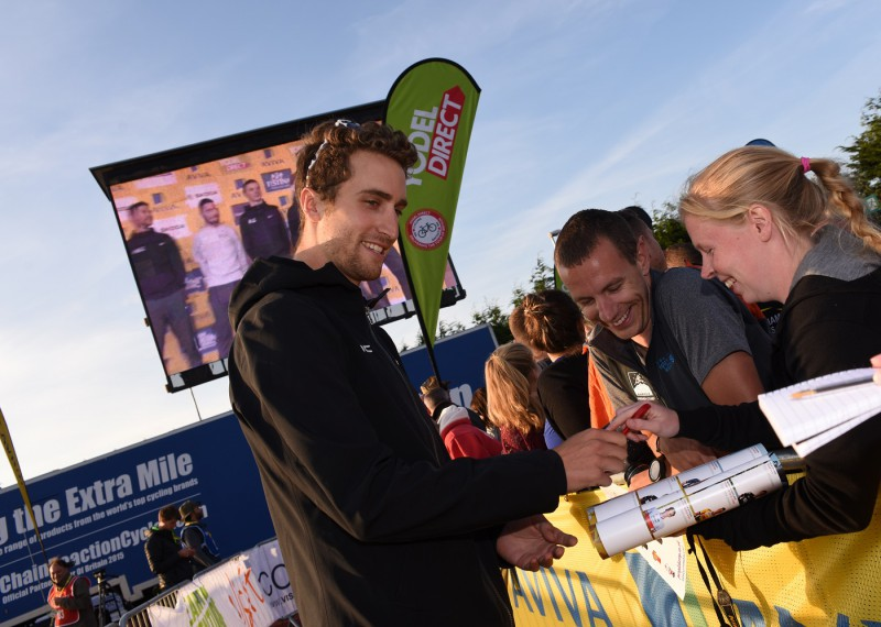 Phinney with his fans at the Tour of Britain team presentation (Sweetspot)