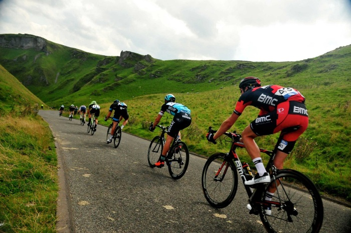 The peloton on the road to Nottingham (SweetSpot)