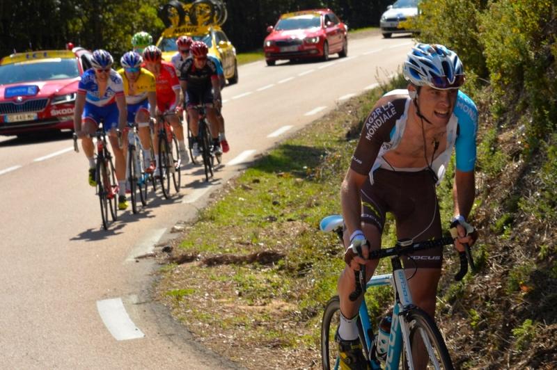 Criterium International 2016 - 27/03/2016 - Etape 3 : Porto-Vecchio / Col de l'Ospedale (171,5 Km) - Pierre-Roger Latour, AG2R La Mondiale, est rattrapé par le groupe maillot jaune