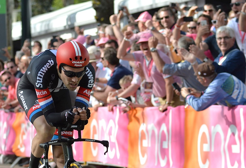 Tom Dumoulin from the Netherlands of Team Giant Alpecin win the first stage of the Giro d'Italia 2016 at Apeldoorn, Netherlands, 06 May 2016, an individual time trial over 9.8km through Apeldoorn. ANSA/LUCA ZENNARO