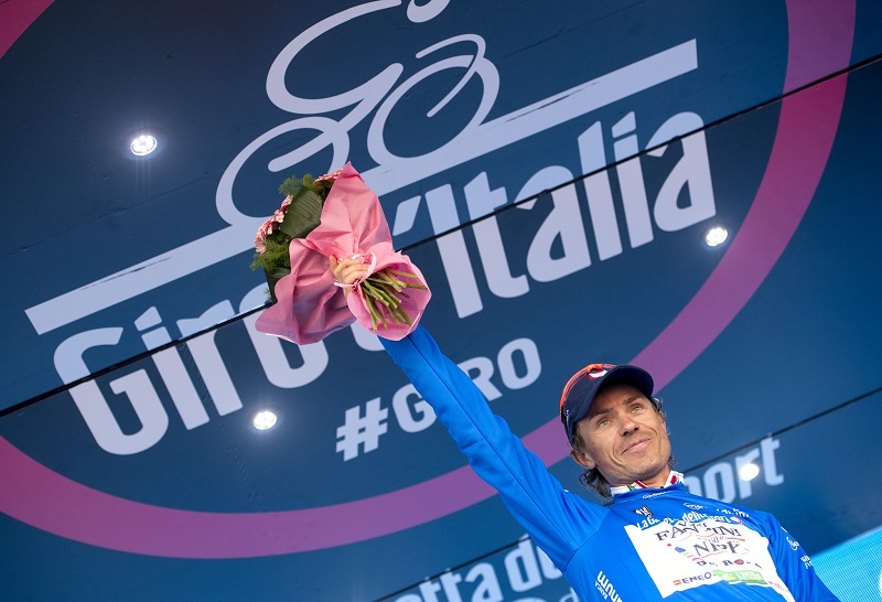 Blue Jersey, Italian rider Damiano Cunego of Nippo Vini Fantini on the podium of the 12th stage of Giro d'Italia from Noale to Bibione, 19 May 2016. ANSA/CLAUDIO PERI